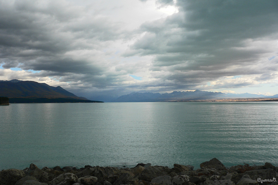 New Zealand - P1010504 Lake Pukaki (edit)