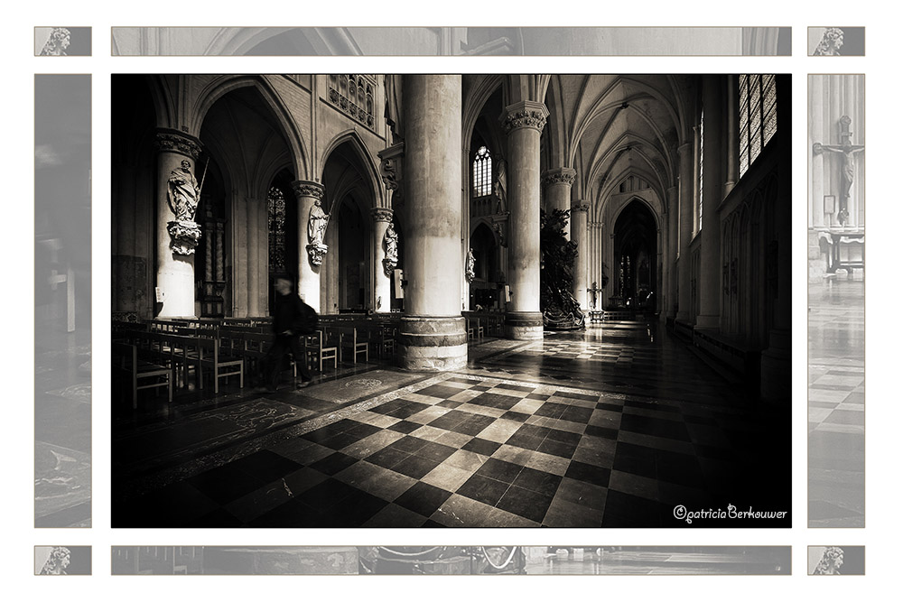 2011-08-01 133 Mechelen - Sint-Romboutskathedraal (edit)