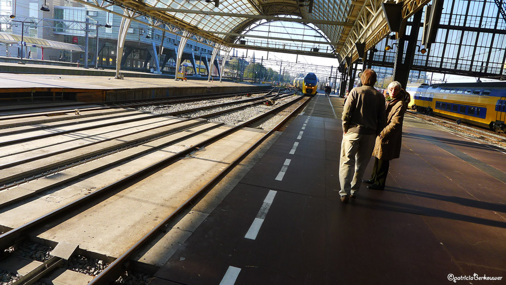 2011-10-23 381 Amsterdam - Centraal Station